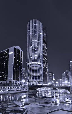 Marina City On The Chicago River In B And W Poster by Steve Gadomski