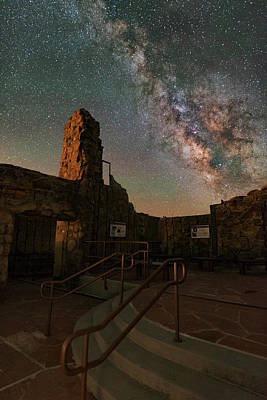 Milky Way Steps At The Crest House Ruins Poster by Mike Berenson