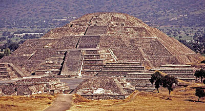 Pyramid Of The Sun - Teotihuacan Poster by Juergen Weiss