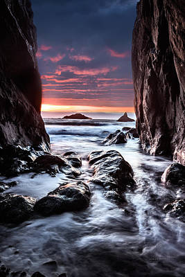 Rocky Cove Sunset Poster by Leland D Howard