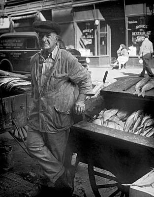 Street Fish Vendor Poster by Underwood Archives