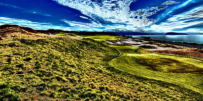 The Majestic Hole #16 At Chambers Bay Poster by David Patterson