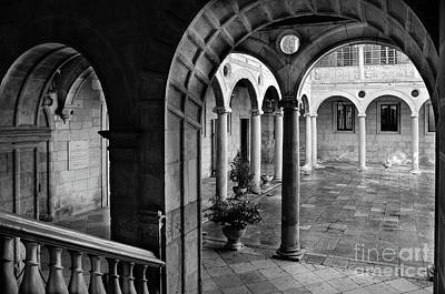 The Palace Of The Guzmanes Courtyard Poster by RicardMN Photography