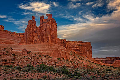 Three Gossips In Arches Poster by Rick Berk