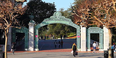 Uc Berkeley . Sproul Plaza . Sather Gate . Wide Size . 7d10020 Poster by Wingsdomain Art and Photography