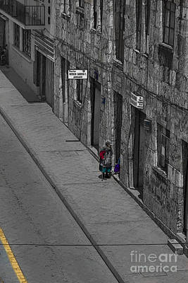 Visiting Neighbors In Cuenca Ecuador Poster by Al Bourassa