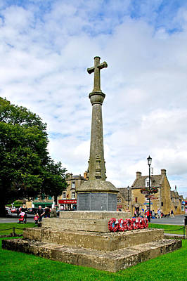War Memorial At Bourton-on-the-water Poster by Rod Johnson