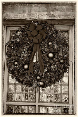 With Red. Photograph -  Christmas Wreath by Iris Richardson