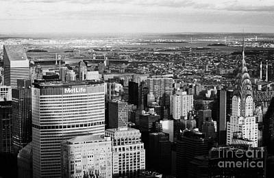 North East Towards East River Queens Bronx With Chrysler And Met Life Buildings New York City Print by Joe Fox