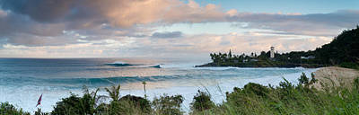 Swollen Photograph -  Waimea Rumble by Sean Davey