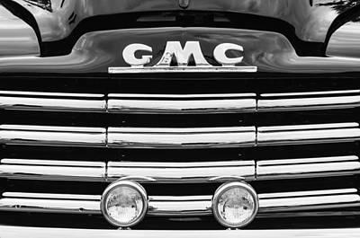 Gmc Photograph - 1952 Gmc Suburban Grille Emblem by Jill Reger