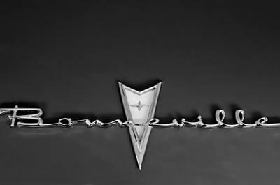 1959 Pontiac Bonneville Photograph - 1959 Pontiac Bonneville Emblem by Jill Reger