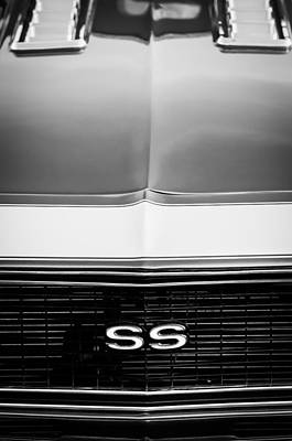 Camaro Photograph - 1968 Chevrolet Camaro Ss Grille Emblem by Jill Reger