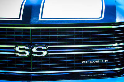 1970 Photograph - 1970 Chevrolet Chevelle Ss Grille Emblem by Jill Reger