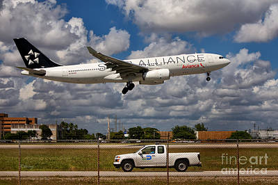 Star Alliance Airlines Photograph - Avianca A-330 Airbus  by Rene Triay Photography