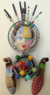 A Fundoo Pot Print by Keri Joy Colestock