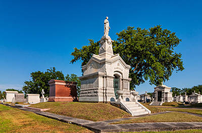 Metairie Cemetery Photograph - A Tomb To Die For by Steve Harrington