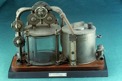 Reliefs Photograph - Anaesthetic Apparatus by Science Photo Library