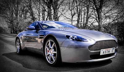 Aston Martin V8 Vantage Print by Ian Hufton