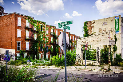 Window Signs Photograph - Cincinnati Glencoe-auburn Place Picture by Paul Velgos