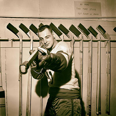 Vancouver Canucks Photograph - Dan Belisle Of The Vancouver Canucks 1960 by Mountain Dreams