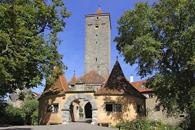 Architektur Photograph - Deutschland, Bayern, Rothenburg Ob Der by Tips Images