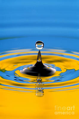 Fluid Mechanics Photograph - Drop Of Water by Novastock