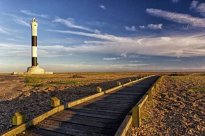 Dungeness Lighthouse Print by Ian Hufton