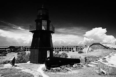 Garden Key Lighthouse Terreplein And Rodman Cannon On Fort Jefferson Dry Tortugas National Park Flor Print by Joe Fox