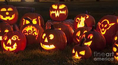 Pumpkin Photograph - Halloween Pumpkins by Juli Scalzi