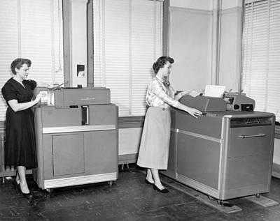 Machinery Photograph - Ibm Punch Card Machines by Underwood Archives