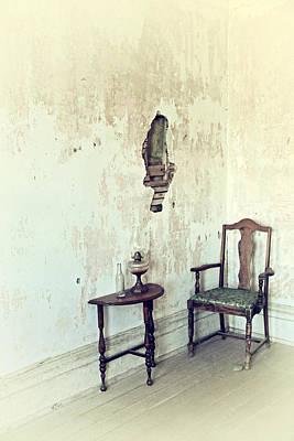 If Walls Could Talk Print by Karol Livote