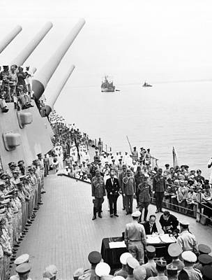 1945 Photograph - Japanese Surrender Ceremony by Underwood Archives
