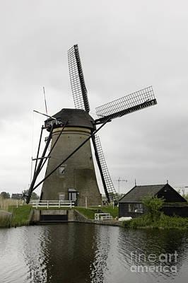Kinderdijk Windmill And Barn Print by Teresa Mucha