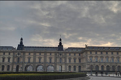 Couple Photograph - Louvre - Paris France - 01134 by DC Photographer