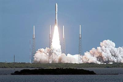 Spacecraft Photograph - Mars Science Laboratory Spacecraft Launch by Nasa
