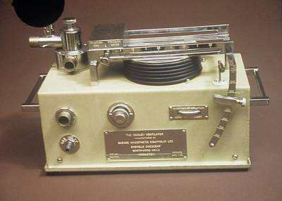 Manley Photograph - Medical Ventilator by Science Photo Library