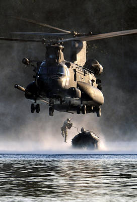 Aiming Photograph - Mh-47 Chinook Helicopter by Celestial Images