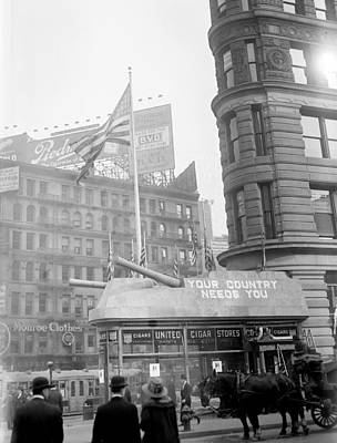 Nyc, Wwi Recruiting Sign, Flatiron Print by Science Source