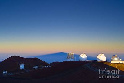 Mauna Kea Photograph - Observatories On Mauna Kea by David Nunuk