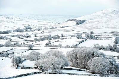 Peaceful Snow Scene In The Howgills Print by Wayne Hutchinson
