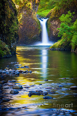 Columbia River Photograph - Punchbowl Falls by Inge Johnsson