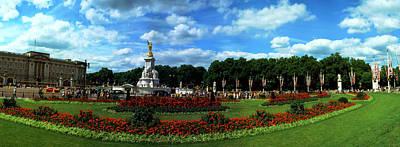 Buckingham Palace Photograph - Queen Victoria Memorial At Buckingham by Panoramic Images