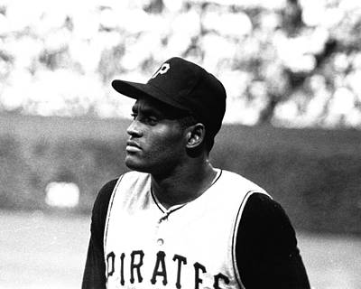Pirates Photograph - Roberto Clemente by Retro Images Archive
