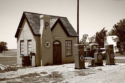 Route 66 - Phillips 66 Gas Station Print by Frank Romeo