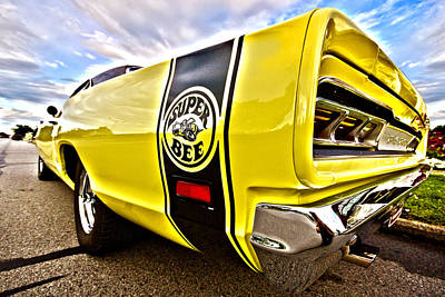 Super Close Super Bee  Print by Gordon Dean II