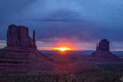 Mitten Photograph - The Famous Red Rock Mittens In Monument by Jerry Ginsberg
