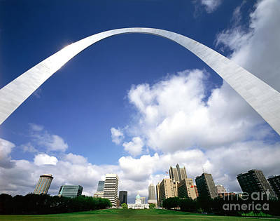 Arches Memorial Photograph - The Gateway Arch, St. Louis, Missouri by Rafael Macia