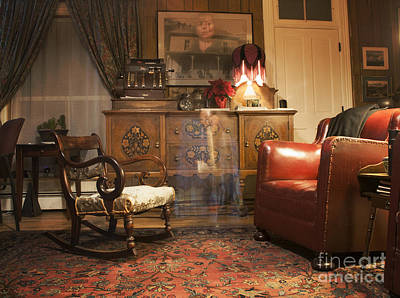 Old Home Place Photograph - The Lobby by Juli Scalzi