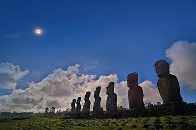Moa Photograph - Total Solar Eclipse by Juan Carlos Casado (starryearth.com)